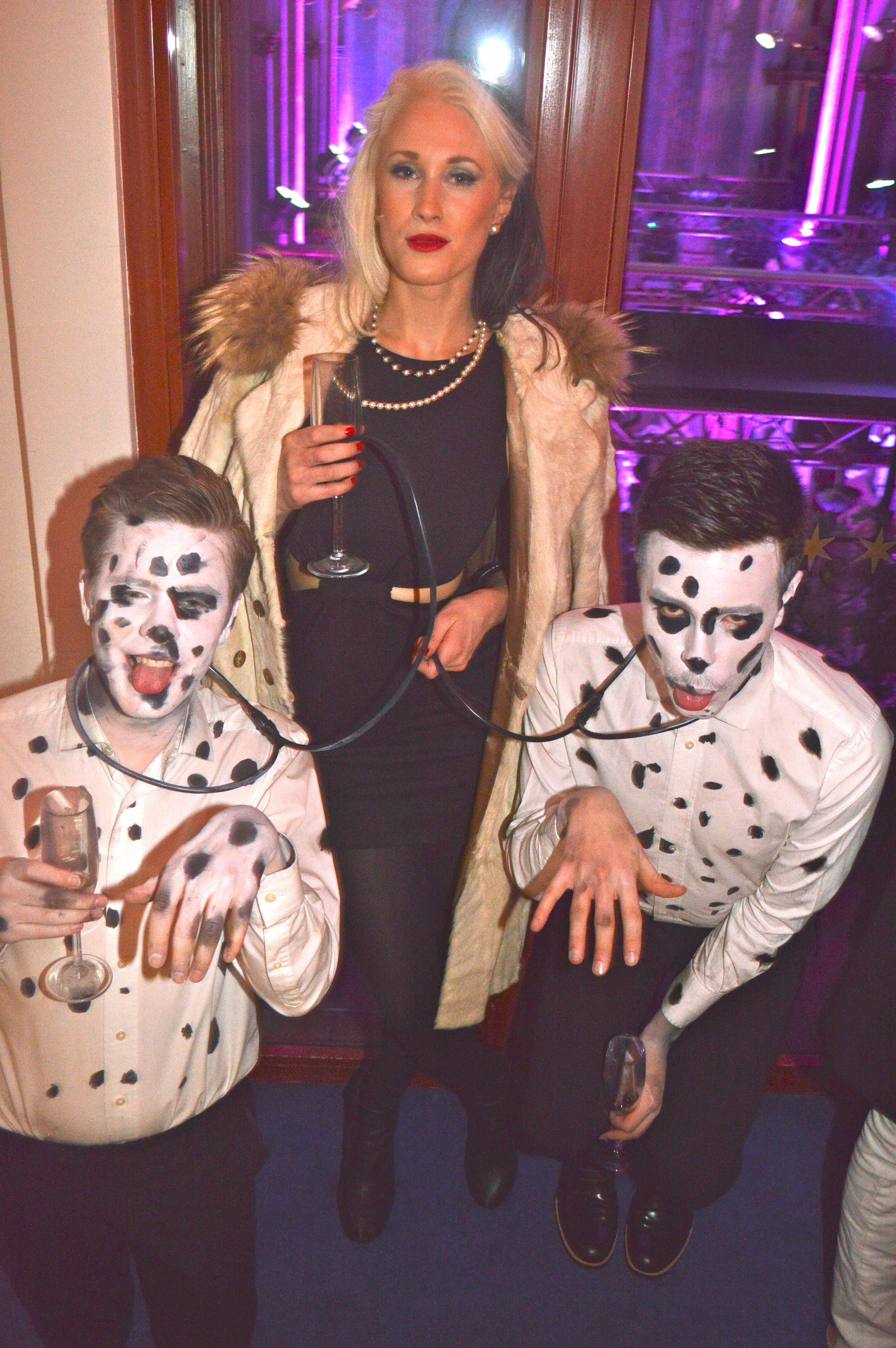 Utklädnad för tre. 47 fantastiska kostymer som kommer inspirera dig att  satsa på halloween 7b14ab9143f56