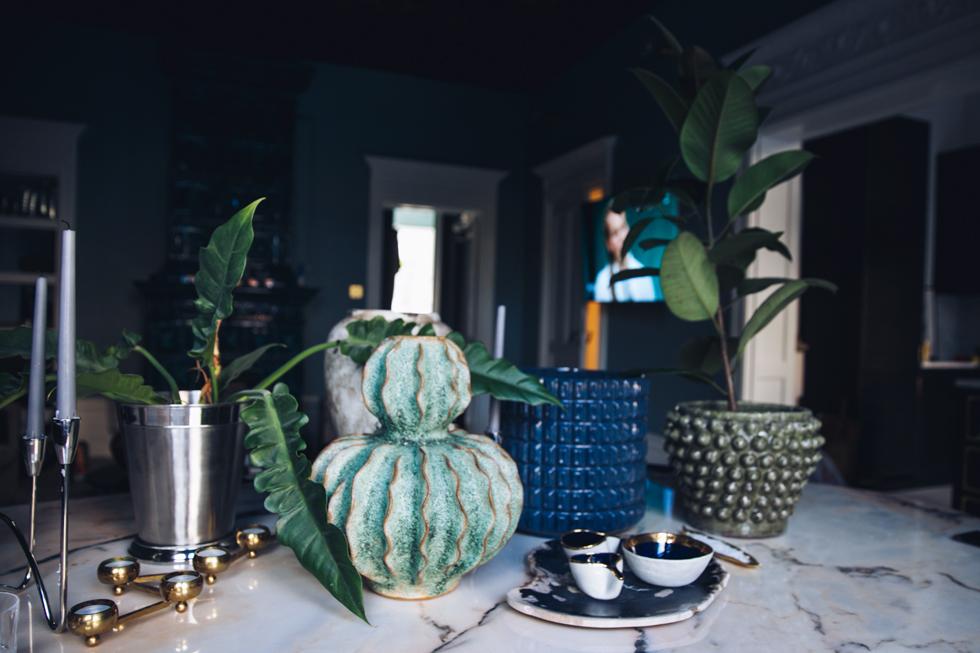 Inredningsdetaljer: Keramik Krukor och Odem Atelier.